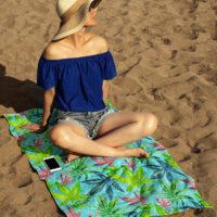 BEACH TOWEL: TROPICAL HAZE