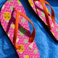 FLIP FLOPS: ZIG ZAG SUMMER