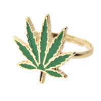 RING: GREEN CANNABIS LEAF