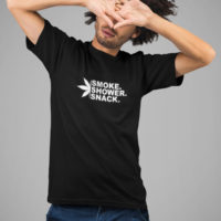 T-SHIRT: SMOKE SHOWER SNACK